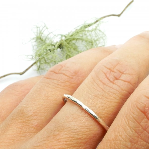 Minimalist sterling silver hammered ring for woman