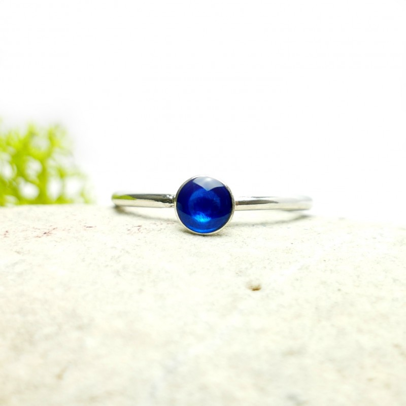 Little sterling silver ring with translucent blue resin NIJI 25,00€