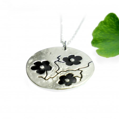 Fine black Sakura flower necklace in sterling silver 925 made in France Desiree Schmidt Paris Cherry Blossom 77,00€