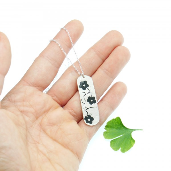 Sterling silver black Cherry Blossom long necklace. Desiree Schmidt Paris Cherry Blossom 77,00 €
