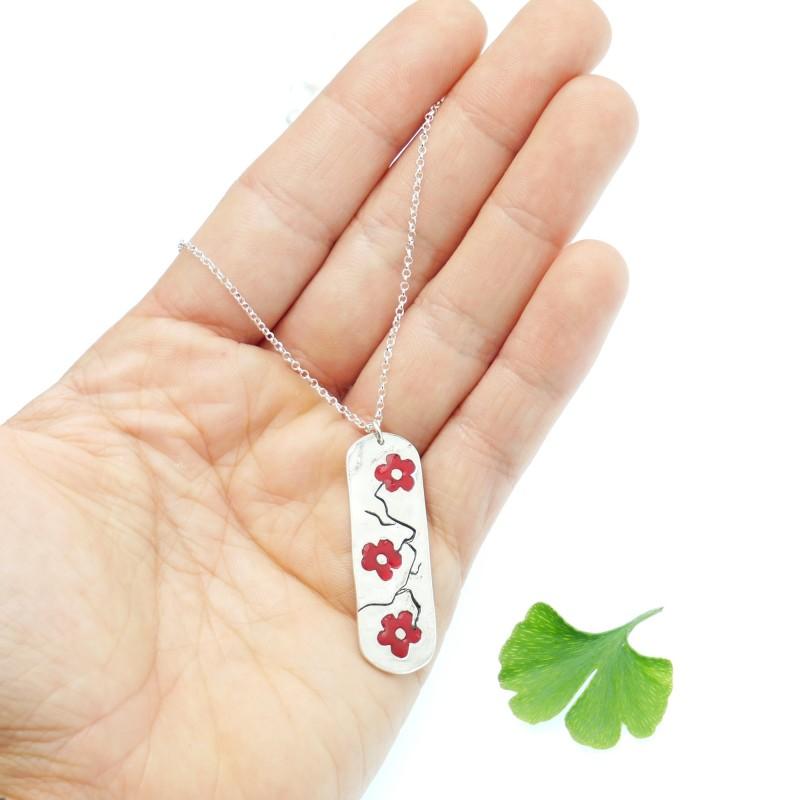 Collier long Fleur de cerisier en argent massif 925 et résine framboise Desiree Schmidt Paris Fleurs de Cerisier 77,00€