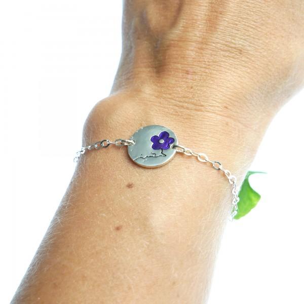 Minimalistischer kleiner Sterling Silber Ring mit dunkle violettes Harz