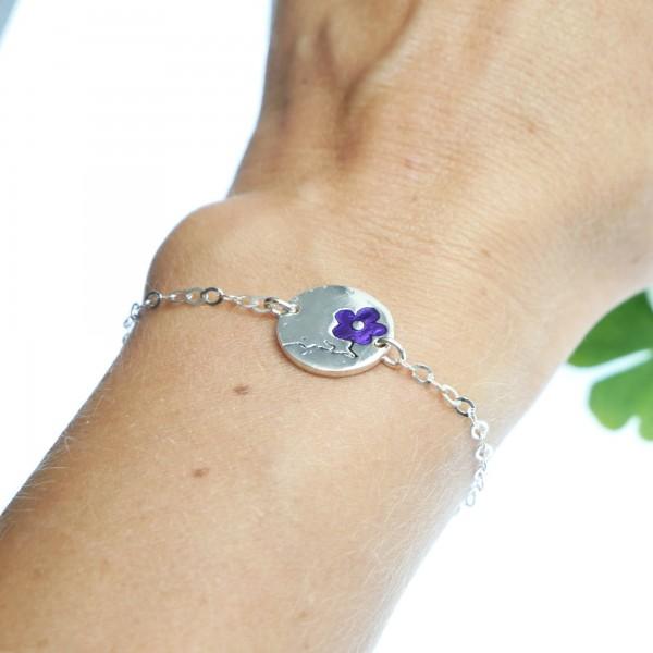Bracelet réglable rond Fleurs de Cerisier en argent massif et résine violette Fleurs de Cerisier 57,00€