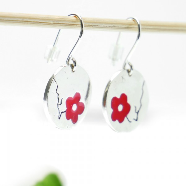 Cherry Blossom red earrings. Sterling silver and resin. Desiree Schmidt Paris Cherry Blossom 77,00€