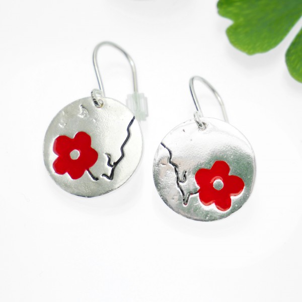 Cherry Blossom red earrings. Sterling silver and resin. Cherry Blossom 77,00 €