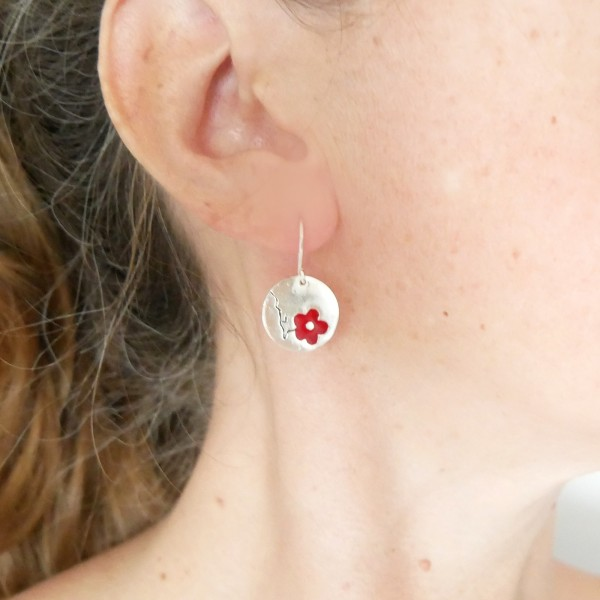 Cherry Blossom red earrings. Sterling silver and resin. Cherry Blossom 77,00€