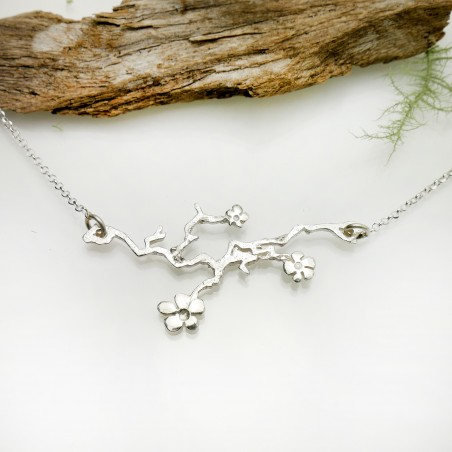 Fine Sakura flower necklace in sterling silver 925 made in France Prunus 77,00€