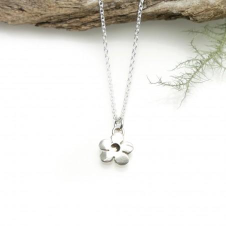 Minimalist necklace flower silver 925 made in France Desiree Schmidt Paris Prunus 35,00€