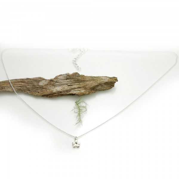 Sakura flower necklace in 925/1000 silver made in France Desiree Schmidt Paris Prunus 35,00€