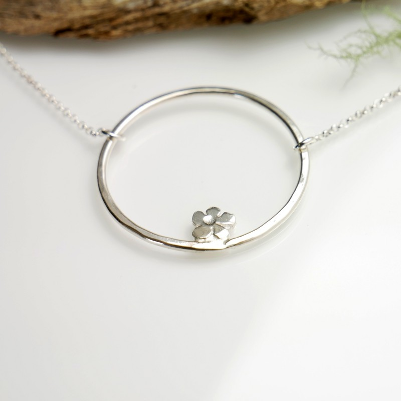 Sterling silver Prunus flower necklace Prunus 57,00€