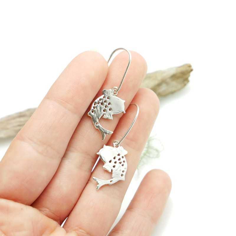 Sterling silver minimalist earrings with dark violet resin NIJI