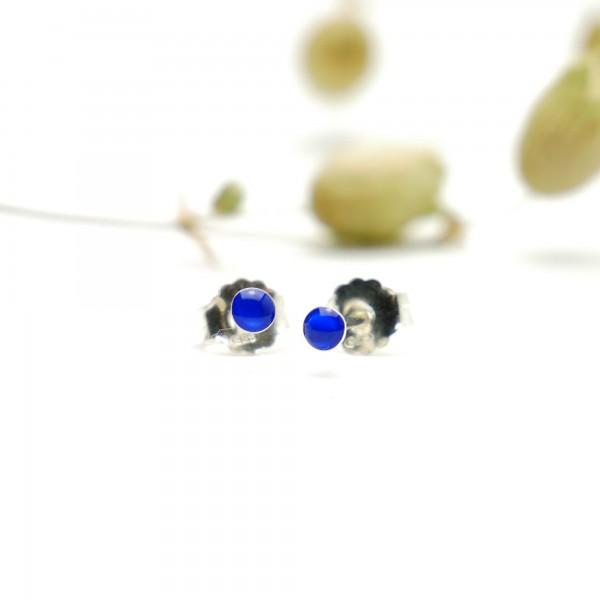 Boucles d'oreilles puces en argent massif 925/1000 et résine bleu électrique collection Niji NIJI 17,00€