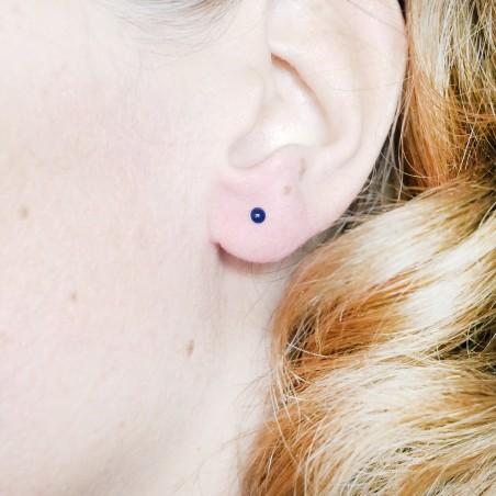 Sterling silver minimalist earrings with navy blue resin NIJI 17,00€