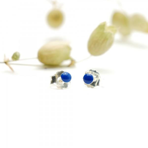Minimalistische kleine Sterling Silber Ohrringe mit Immergrün blaues Harz NIJI 17,00€
