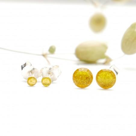 Sterling silver minimalist earrings with glitter yellow resin NIJI 17,00€