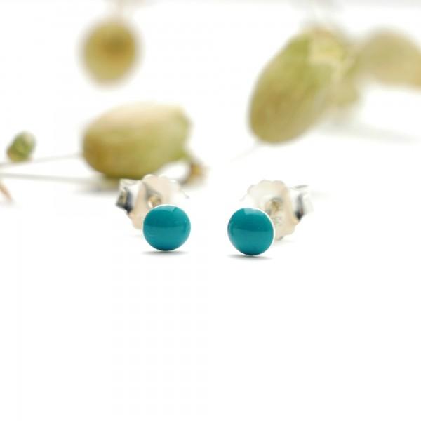 Boucles d'oreilles puces en argent massif 925/1000 et résine turquoise collection Niji NIJI 21,00€