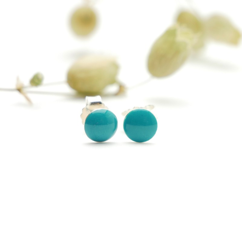 Sterling silver minimalist earrings with sequined blue resin NIJI