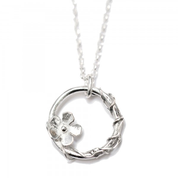 Sakura small ajustable necklace. Sterling silver.  Sakura 57,00 €