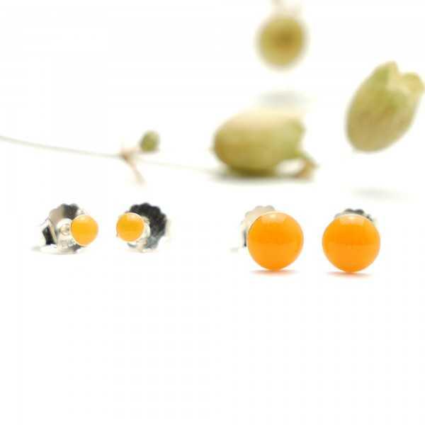 Sterling silver minimalist earrings with fluorescent orange resin NIJI 25,00€