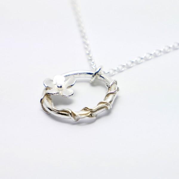 Sakura small ajustable necklace. Sterling silver.  Sakura 57,00€