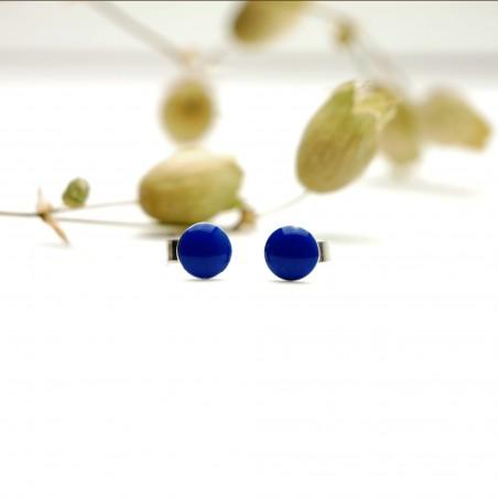 Sterling silver minimalist earrings with periwinkle blue resin NIJI 25,00€