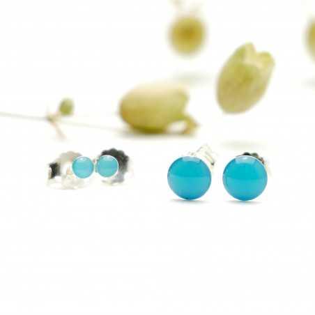 Sterling silver minimalist earrings with lagoon blue resin NIJI 25,00€