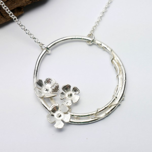 Sakura flower ajustable necklace. Sterling silver.  Sakura 77,00 €