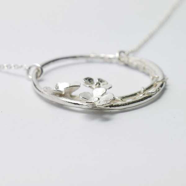 fine Sakura flower necklace in sterling silver 925 made in France Desiree Schmidt Paris Sakura 77,00€