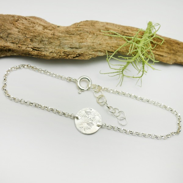 Sterling silver minimalist adjustable bracelet with flowers Home 25,00 €
