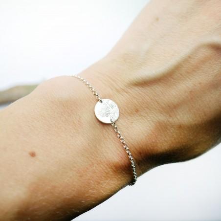 Sterling silver minimalist adjustable bracelet with flowers Home 25,00€