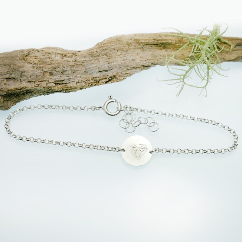 Sterling silver minimalist adjustable bracelet with diamond Home 25,00€