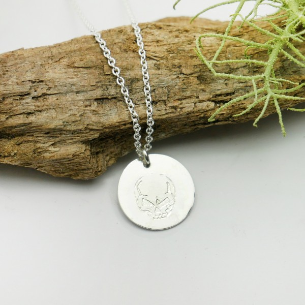 Sterling silver minimalist adjustable necklace with skull MIN 25,00€
