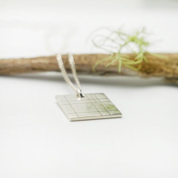 Square pendant on adjustable chain Kilt in solid silver 925/1000 Desiree Schmidt Paris Kilt 47,00€