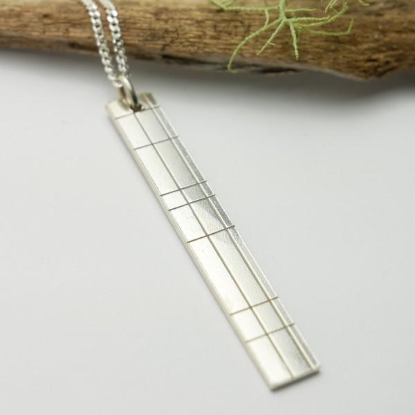 Minimalistische lange Sterling Silber Ohrringe mit Pailletten besetztes Granatrotes Harz NIJI