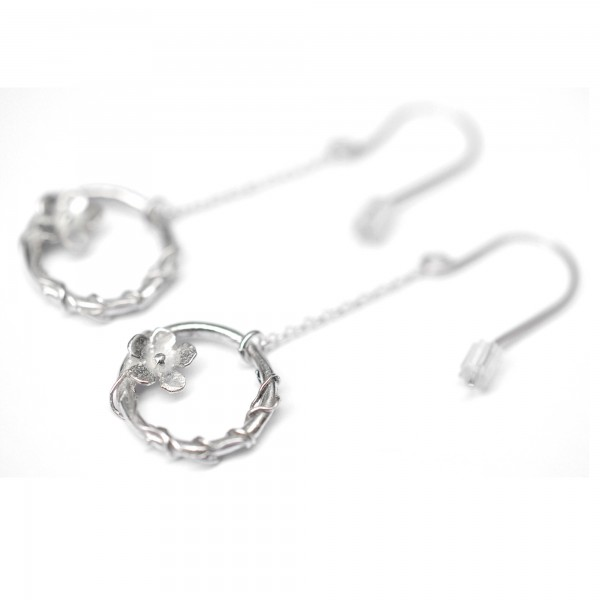 Sakura flower pendant earrings. Sterling silver. Sakura 77,00€