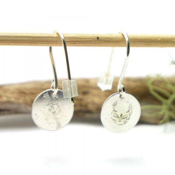 Sterling silver minimalist pendent earrings with skull motive Earrings 27,00 €