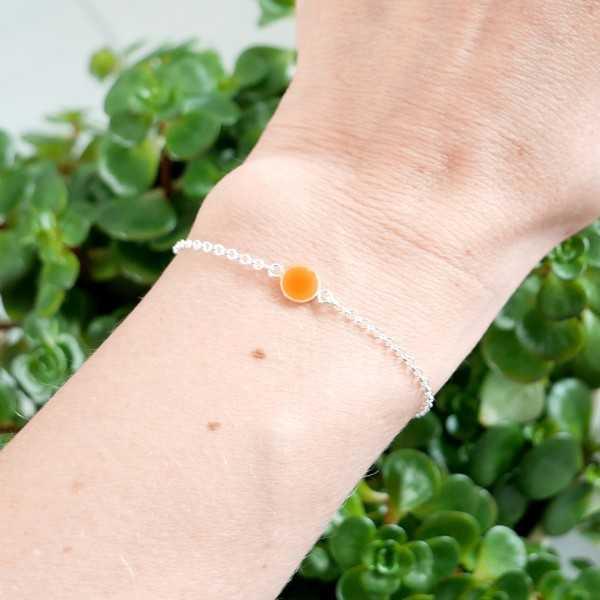 Bracelet en argent massif 925/1000 et résine orange fluorescent longueur réglable Accueil 25,00€