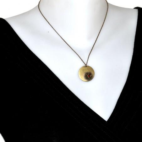 Pendentif rond sur chaine ajustable Rose en bronze vieilli Desiree Schmidt Paris Rose 39,00€