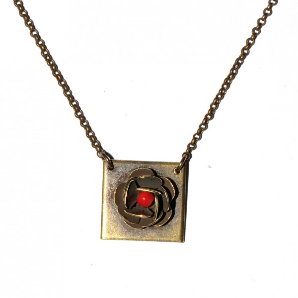 Small Rose ajustable necklace. Aged Bronze.  Rose 39,00€