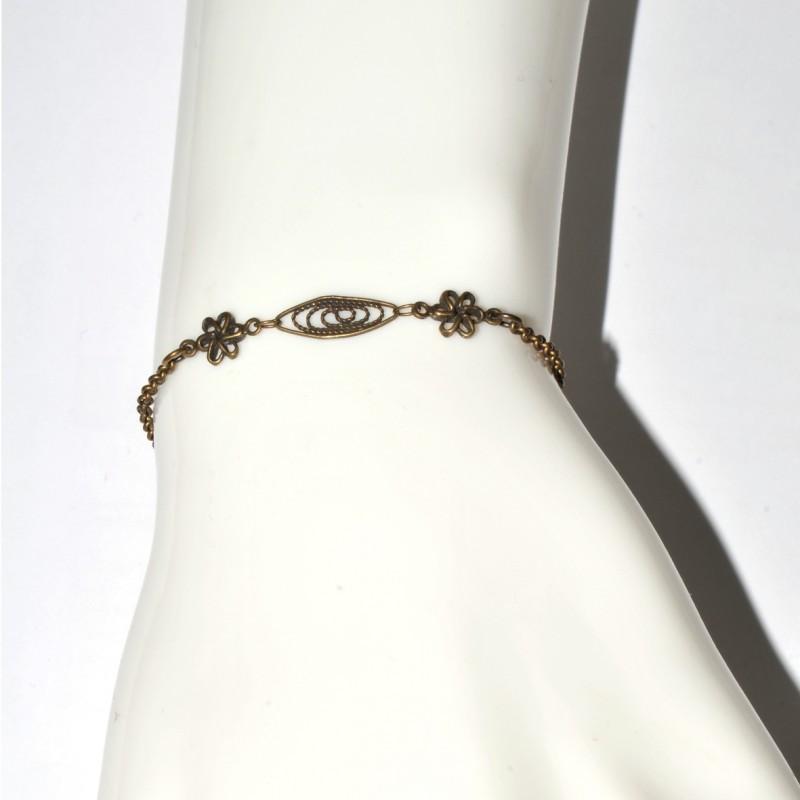 Petit collier carré Rose en bronze vieilli Rose