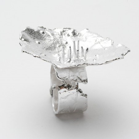 Mellow Meadow Flower big ajustable ring. Sterling silver. Mellow Meadow Flower 157,00€