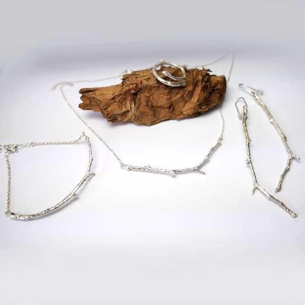 Collier branche en argent massif de la collection Eda  Eda 77,00€