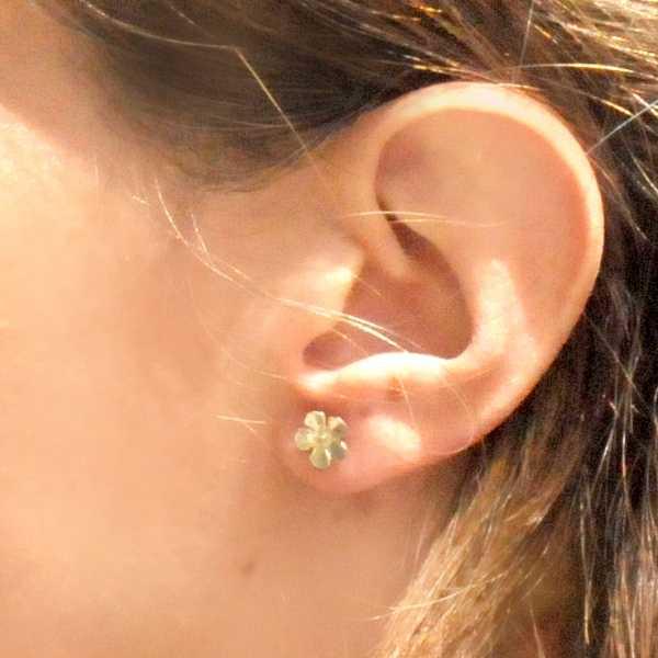 Kleine Kirschblumen Ohrringe aus Sterling Silber  Sakura 37,00€