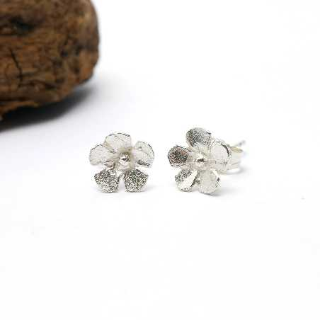 Sterling silver small flowers Sakura earrings Sakura 37,00 €