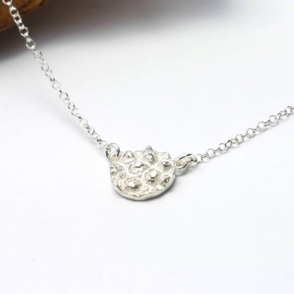 Petit collier ras de cou en argent massif 925 Litchi solitaire Desiree Schmidt Paris Litchi 47,00€