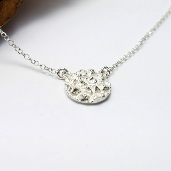 Small Litchi sterling silver adjustable necklace Litchi 57,00 €
